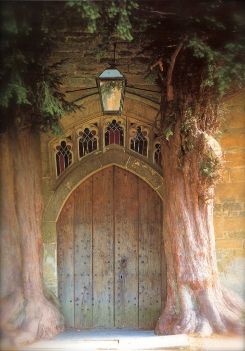 Yew Tree Entrance, St. Edwards, Oxford, England